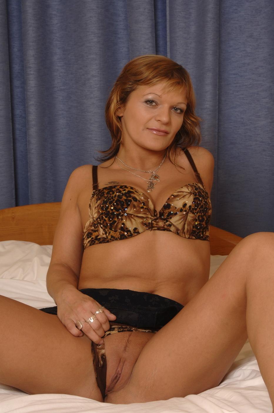 Geile huisvrouw zoekt sex met man